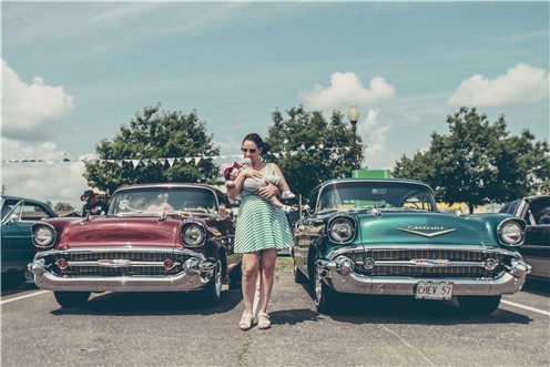 女性と外車